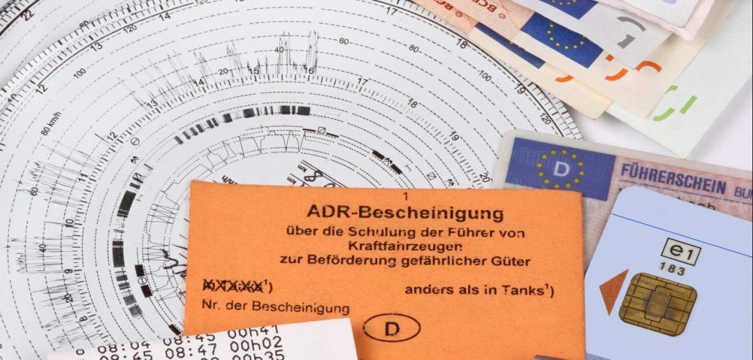 Es gibt zudem eine gesetzliche Mitführungspflicht, nach der der Fahrer die Bescheinigung nach §20 Fahrpersonalverordnung bei sich zu führen hat. (#1)