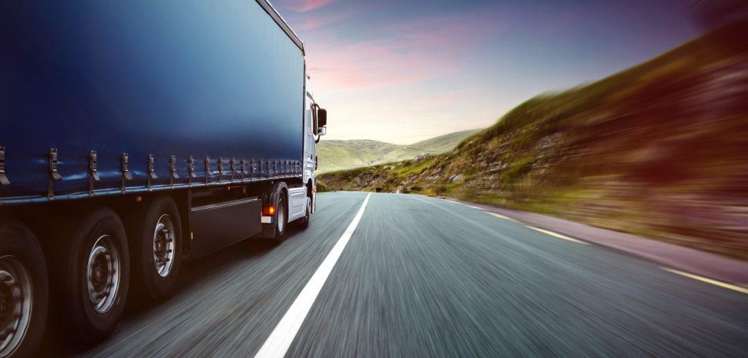 Maximal darf die Tageslenkzeit eines Fahrers bei neun Stunden liegen.(#4)