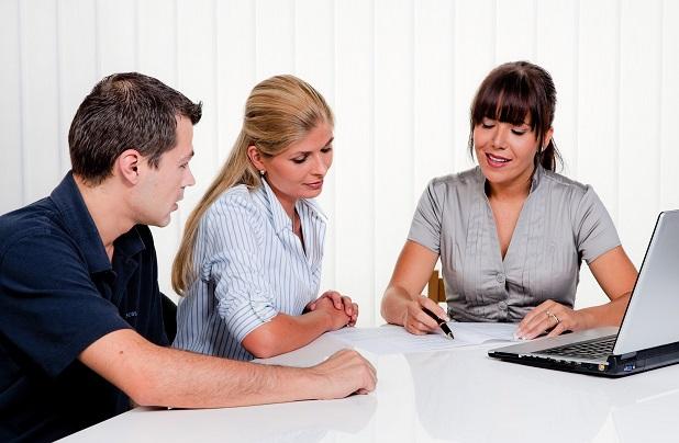 Eine ausführliche Beratung, wie der Kredit zurückgezahlt werden soll, ist unumgänglich. Schließlich gehts es da um viel Geld.