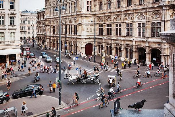 Günstige Leihräder oder reduzierte Tarife der öffentlichen Verkehrsmittel sorgen für ein Umdenken in der Gesellschaft.