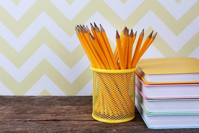 Der Bleistift ist preiswert in der Anschaffung und die damit durchgeführten Markierungen können wieder durch einen Radiergummi entfernt werden. (#01)