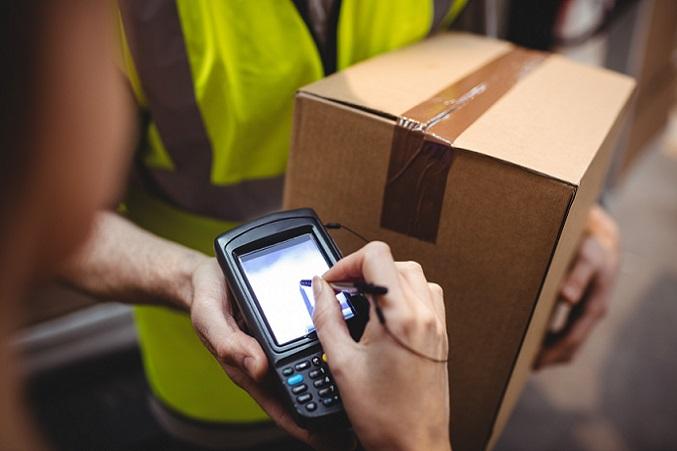 Die Erleichterung sorgt für mehr Zufriedenheit bei den Mitarbeitern und gleichzeitig für eine deutlich effizientere Nutzung der Arbeitszeit. So kommen Barcode Scanner unter anderem im Handel und in der Logistik sowie in der Industrie zum Einsatz. (#03)