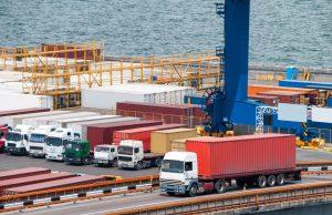 Güterverkehr: Vorteile der Strasse sind unter anderem niedrigere Kosten, die Lieferung bis zur Tür und die höhere Mobilität. (#3)