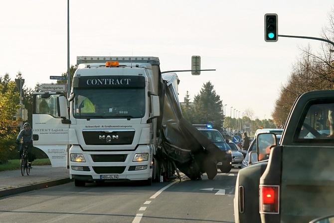 Das Transportgewerbe ist mit vielen Risiken verbunden. Unfälle gehören hier teilweise leider mit dazu und aus diesem Grund ist es wichtig, sich mit den Rechten und den Regelungen auszukennen und so richtig reagieren zu können. (#03)