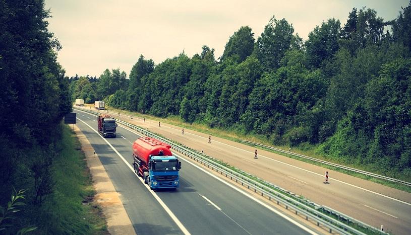 ... oder auf der Autobahn ist längst nur noch ein kleiner Bestandteil der Logistik. Gefordert wird von der Branche deutlich mehr Mut zur Entwicklung.(#02)