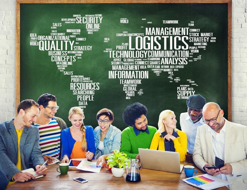 Die ersten beiden Semester führen in die Logistik als solche ein. Man konzentriert sich vor allem auf die Betriebswirtschaft. (#03)