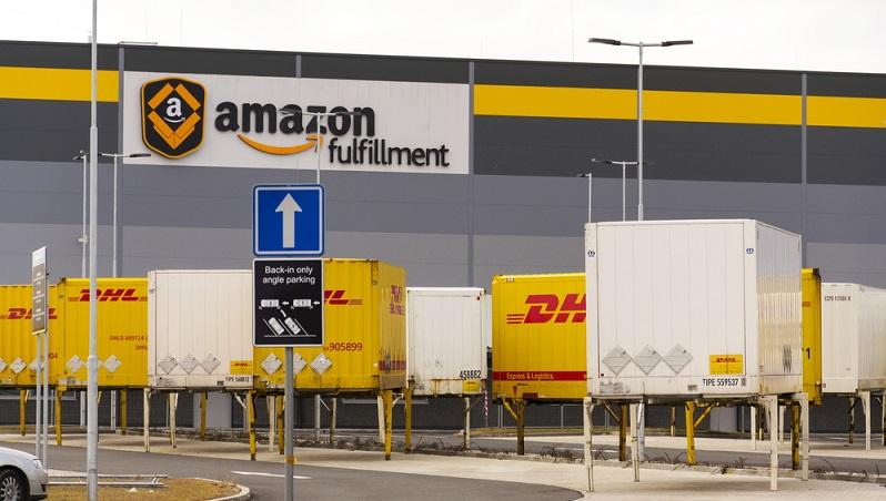 Bei Amazon Logistics sieht man das als klares Bekenntnis zu der Region und als Arbeitgeber kleinerer Unternehmen, die üblicherweise Probleme haben, gegen die großen und etablierten Dienstleister wie DHL, Hermes, UPS oder andere zu konkurrieren. (#01)Bei Amazon Logistics sieht man das als klares Bekenntnis zu der Region und als Arbeitgeber kleinerer Unternehmen, die üblicherweise Probleme haben, gegen die großen und etablierten Dienstleister wie DHL, Hermes, UPS oder andere zu konkurrieren. (#01)