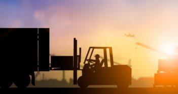 Branche meldet hohen Bedarf: Umschulung gegen den Fachkräftemangel im Logistik-Bereich