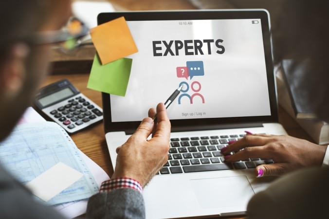 Ein akuter Fachkräftemangel im Bereich Logistik ist nicht mehr zu verstecken, doch welche Fachkräfte werden genau gesucht? Hier sind sich die Experten uneinig - denn es hängt stark von der jeweiligen Unternehmensstruktur ab. (#1)