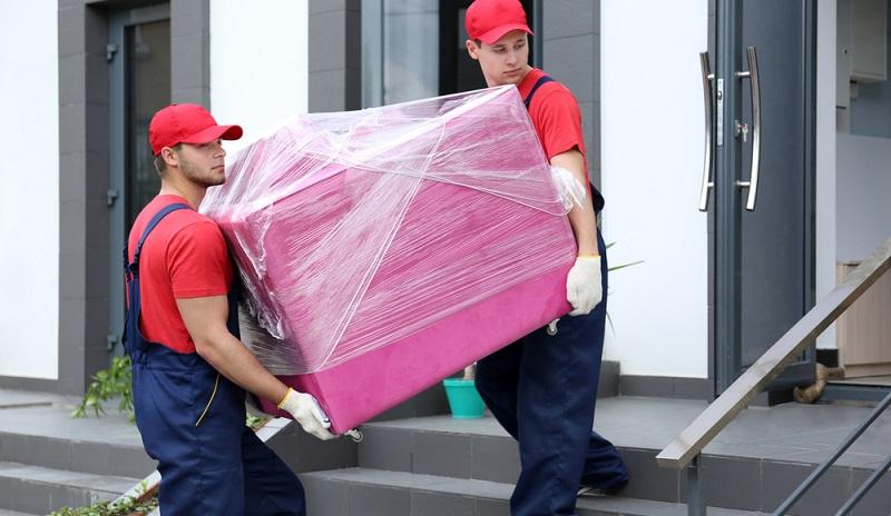 Die Besonderheit, dass die Lieferung von Möbeln mit einer Montage einhergeht, hat umfangreiche Einflüsse auf die täglich anfallende Tourenplanung im Möbeleinzelhandel.  (#01)