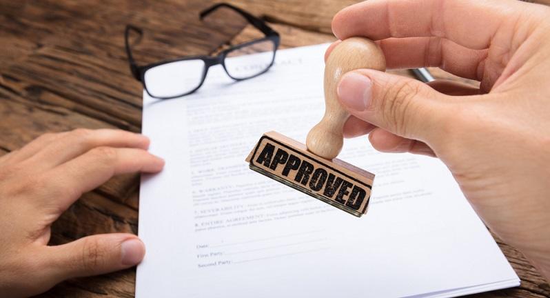 Auf einem Firmenstempel sollten sich alle wichtigen Kontaktinformationen befinden (#01)