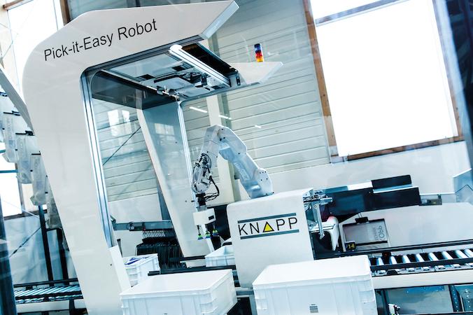 Der Pick-it-Easy-Robot von KNAPP kommt am Standort Berlin zum Einsatz. (#2)