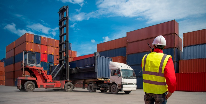 Bisher ist Freighthub der einzige Dienstleister seiner Art und hat die gesamten Logistikprozesse digital umgestellt.  ( Foto: Shutterstock-CrispyPork _)