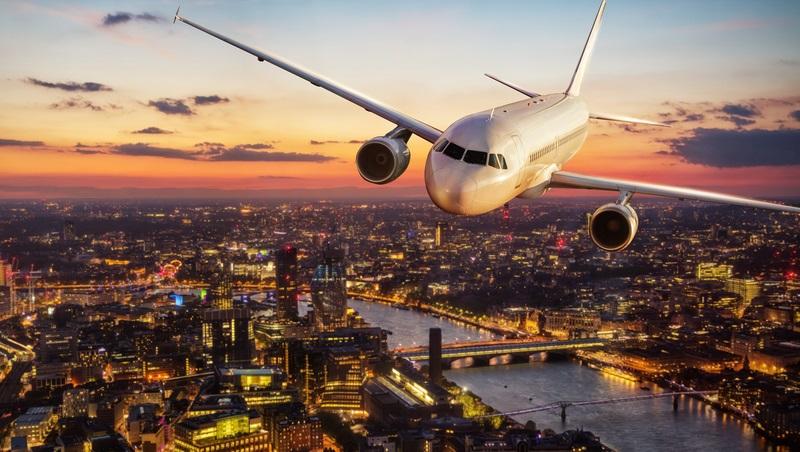Urlaubsreisen machen etwa zwei Drittel aller gebuchten Flüge aus.  ( Foto: Shutterstock-Jag_cz)