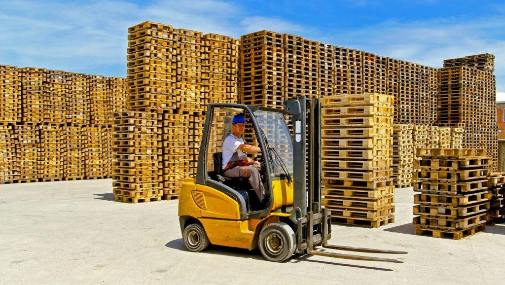 Der Engpass bei Europaletten bedeutet für Unternehmer auf Expansionskurs verlorenes Geschäft. Ware, die nicht geliefert ( oder gelagert ) werden kann, trägt nicht zum Geschäft bei. (#1)