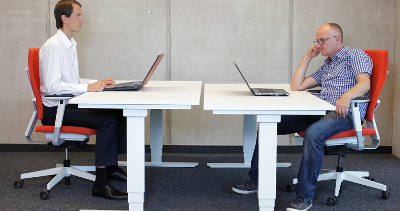 Viele Unternehmen sind gerade in Personalangelegenheiten festgefahren. Sie setzen auf die Mitarbeiter, die eine gefühlte Ewigkeit in der Firma sind, aber sich neuen Anforderungen nicht angepasst haben. (#01)
