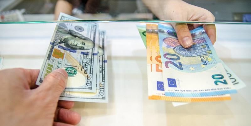 Wer die Umrechnung von US Dollar in Euro vornehmen möchte, bevor er seine Waren ordert, der sollte bei der Auswahl des US Zollrechners die folgenden Aspekte beachten. (#03)