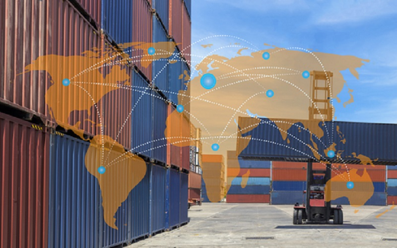 Mitarbeiter der Logistikbranche haben alle Hände voll zu tun. Sie sind ständig damit beschäftigt, Arbeiten auszuführen und Maschinen zu bedienen, was per Sprachsteuerung in den meisten Fällen deutlich einfacher ist. (#2)