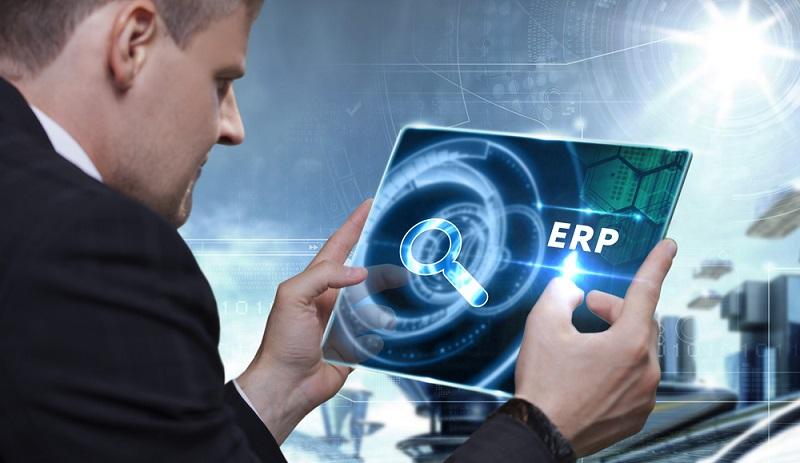 Bei der Auswahl eines passenden ERP-Systems spielen Organisation sowie Größe eines Unternehmens eine essenzielle Rolle.(#01)