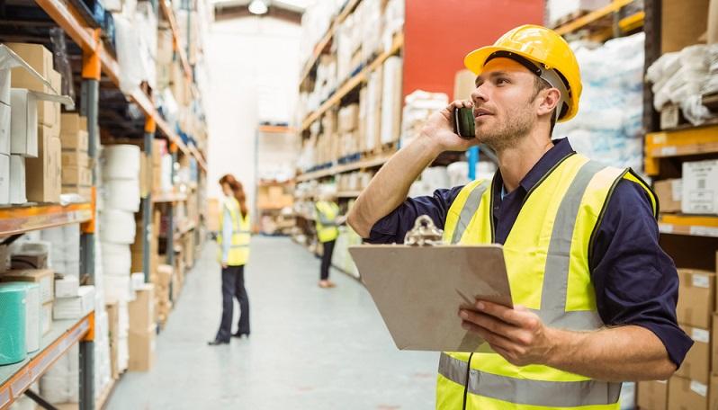 In der Lagerlogistik können mithilfe eines Warenwirtschaftssystems viele Abläufe technisiert und automatisiert werden. (#04)