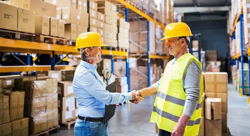 Ein Warenwirtschaftssystem oder auch Enterprise-Ressource-Planning (ERP)-System genannt unterstützt Unternehmen dabei, die vielfältigen Aufgaben der Lagerlogistik zu bewältigen. (#01)