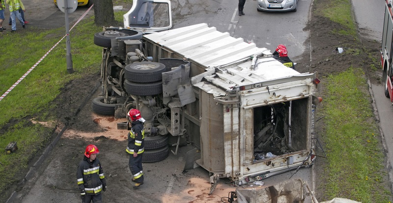 Wirklich nachweisen lässt sich die Aussage, dass das Smartphone für eine Zunahme der Verkehrsunfälle verantwortlich ist, leider nicht. (#04)