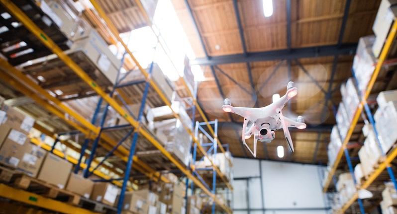 Digitalisierung bedeutet bei der Logistik eine echte Revolution – ob Lieferroboter, Straßenbahn oder Drohne: Neue Lösungen für die Zustellung müssen etabliert werden. (#04)