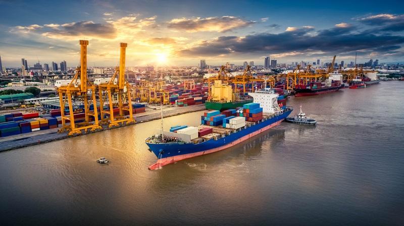 Durch den weltweiten Gebrauch müssen Container nicht nur den wiederholten Belastungen beim Be- und Entladen standhalten, sondern auch unter verschiedenen klimatischen Bedingungen funktionieren.