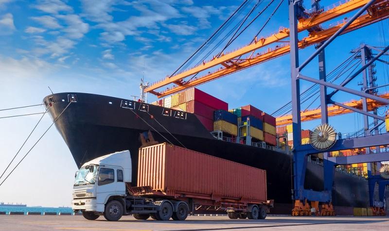 Die gängigste Größe für Standardcontainer ist heute die Variante TEU (Twenty-Feet-Equivalent Unit = 20 Fuß Äquivalent-Einheit).