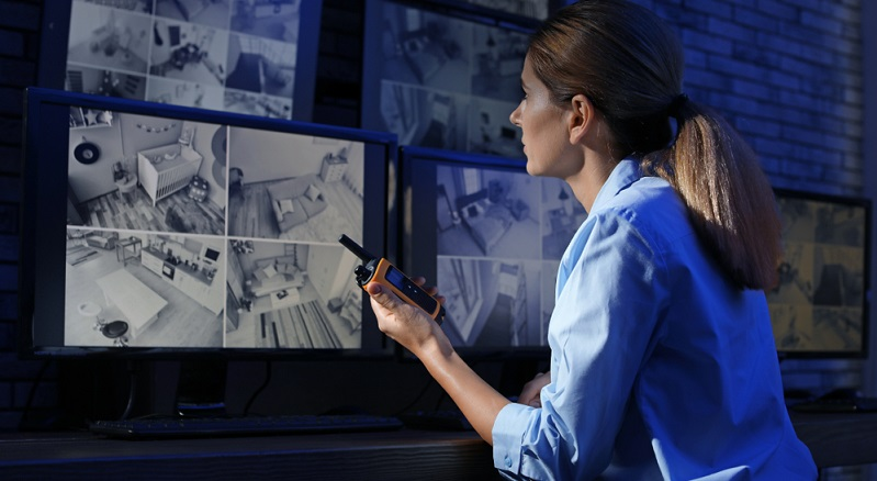 Unternehmer sollten sich sicher sein: Eine illegale Mitarbeiterüberwachung kommt früher oder später doch heraus.