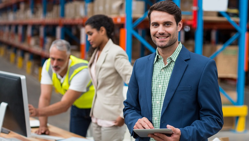 """Welche Kompetenzen sind für die Erledigung welcher Tätigkeiten nötig? Hierbei sollte zwischen Fach- und Führungskräften sowie """"einfachen"""" Mitarbeitern unterschieden werden."""