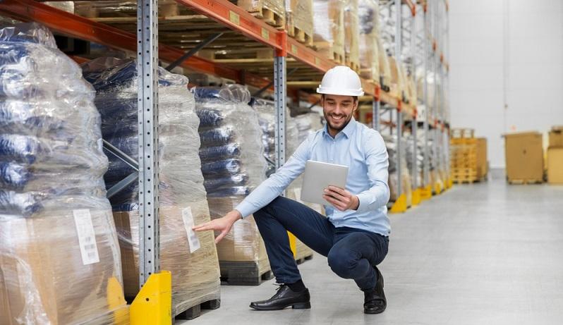 In Deutschland besteht im Moment ein akuter Fachkräftemangel. Das führt dazu, dass es den Betrieben schwerfällt, offene Stellen mit qualifizierten Arbeitskräften zu besetzen.