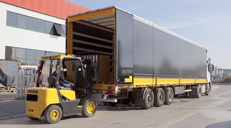 Selbstverständlich muss das Logistikunternehmen die Transportkosten so kalkulieren, dass nicht nur kostendeckend gearbeitet wird.