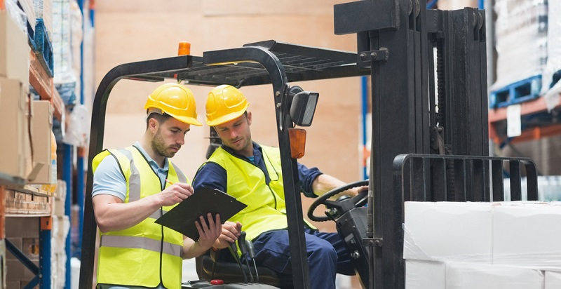 Die Gehälter in der Logistikbranche richten sich nach verschiedenen Faktoren und so unterscheiden sich auch die Lohngruppen enorm.