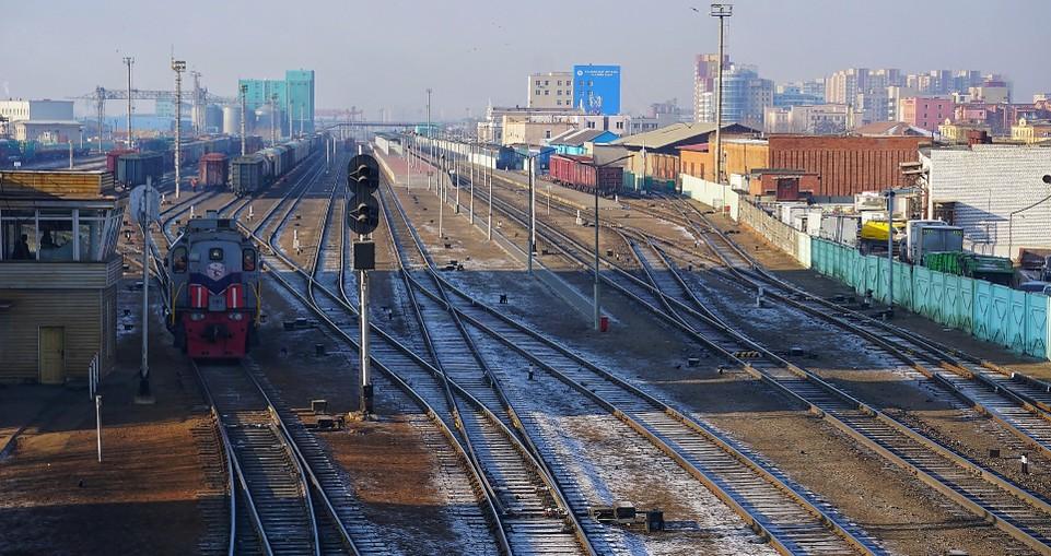 Eine Alternatve zu einer reinen Straßenverbindung Europa-Zentralasien sind Eisenbahnstrecken. Eine davon führt über Ulan Bator. (#2)