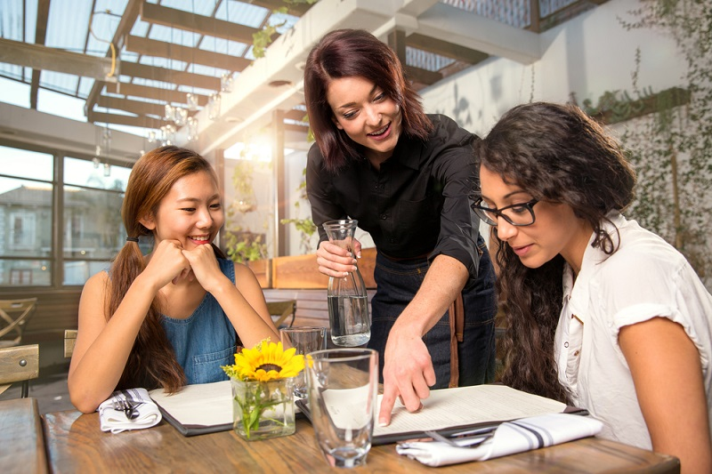 Auch ein freier Mitarbeiter wird motiviert sein, diesen Kunden zufriedenzustellen und sich bei der Auswahl verschiedener Auftraggeber diesem gegenüber loyaler zeigen. (#04)