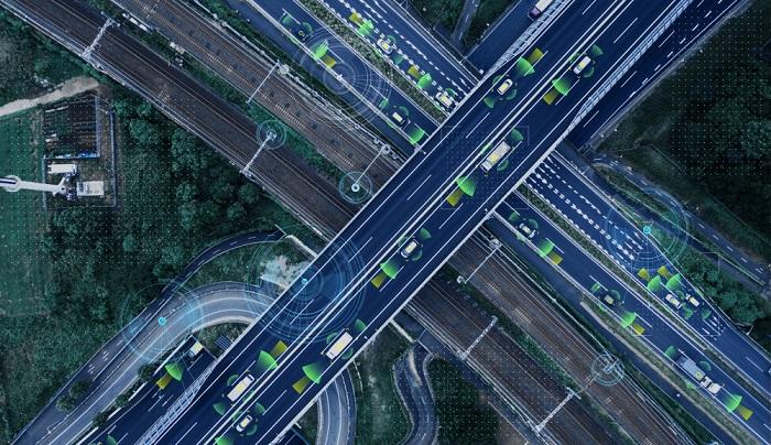 Eine weitere Möglichkeit stellt es dar, Fahrzeuge zu Kolonnen zusammenzufassen, die mit geringem Abstand die Straßen nutzen. (#02)