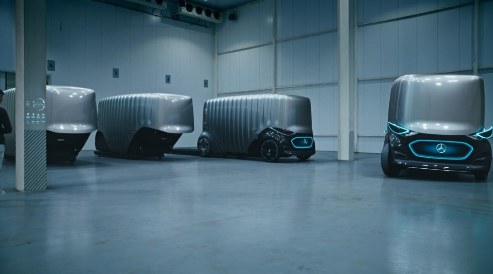 Mercedes' autonome Mobility-Plattform: Das Cargo-Modul des Vision Urbanetic kann bei Bedarf entfernt werden. (Foto: Daimler AG, #1)
