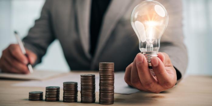 Strompreisentwicklung: Logistiker klagen über Strompreise auf Rekordhoch