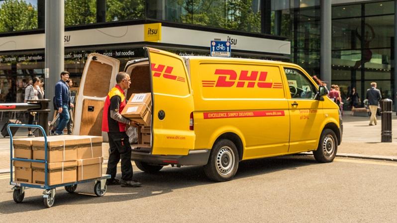 Auch für den Verkäufer der weißen Ware zeichnet sich ein Trend ab. Von Dienstleistern wie DHL werden ganze Arbeitsprozesse übernommen. Der Vertrieb wird so skalierbarer und von Personalengpässen befreit. ( Foto: Shutterstock-Chrispictures )