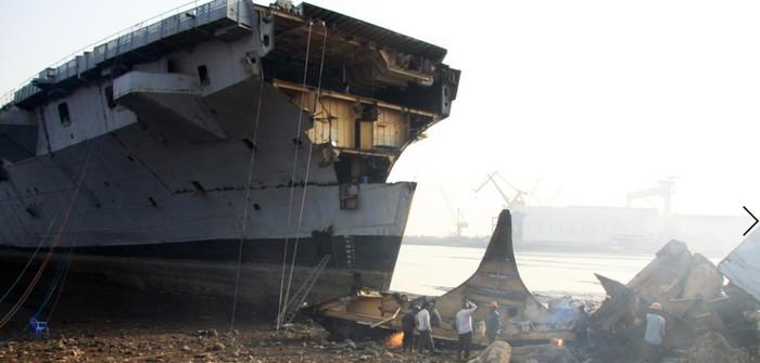 Schiffsabbruchmarkt unter schwierigen Bedingungen (Foto: shutterstock - JHMimaging)
