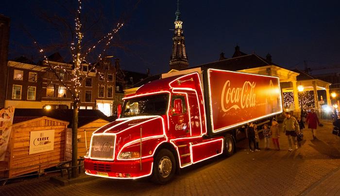 Es gibt wohl niemanden der den Coca Cola Truck nicht kennt. ( Foto: Shutterstock- Dennis van de Water )